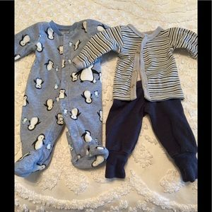 Lot of 2 Preemies outfits Boys